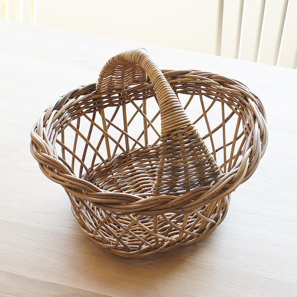 【Natural rattan シリーズ 材料に皮付のラタンを使用して自然の風合いを味わえるバスケット】ラタン ナチュラルバスケット GK783ME